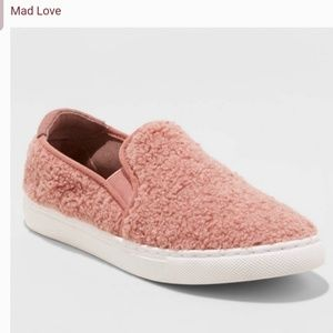 Mad love size 8 mauve color womens shoes sneakers